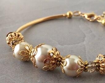 Beige Pearl Bracelet in Gold, Beige Bride Jewelry, Handmade Bridal Sets, Beaded Pearl Bracelet, Beige Wedding Jewelry