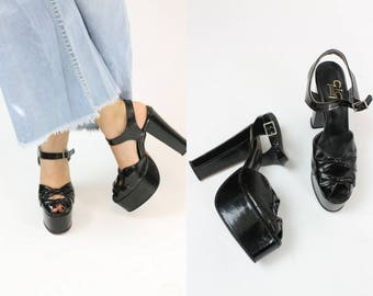 1970s does 1940s Patent Platforms Size 7.5N /  70s Vintage Knotted Peep Toes / Marabella Nights Shoe