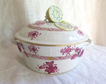 Antique Herend Covered Serving Dish Chinese Bouquet in Raspberry with Lemon Finial  1 Quart