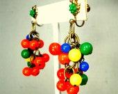 Fiesta Colored Dangle Screwback Earrings, 1950s JAPAN Glass Beads, Drop Clusters of Orange Yellow Blue Green, Carmen Miranda