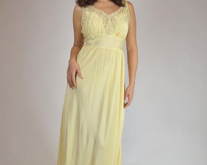 sale Vintage Nightgown, Yellow Nightgown, Bridal Nightgown, 40s Nightgown, Retro Nightgown, Movie Star Nightgown, 1940s Nightgown,
