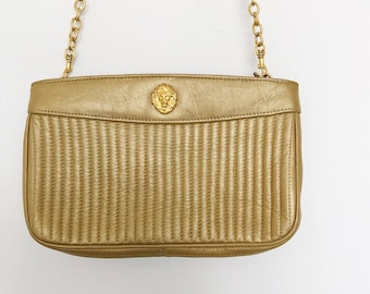 Vintage 1990s Anne Klein Gold Quilted Leather Chain Strap Cross Body Hamsbag Purse
