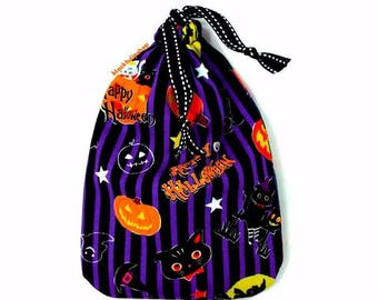 Cute Halloween Bag Drawstring Pouch Halloween Decor Small Purse Gift Bags Ghosts Pumpkins Black Cats Curved Bottom Small Pouch