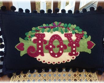 Love & Joy Table Runner and Pillow MAILED PAPER PATTERN