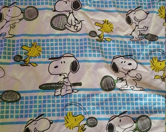 Twin flat  single    Peanuts Snoopy   great vintage condition no stains tears or worn areas
