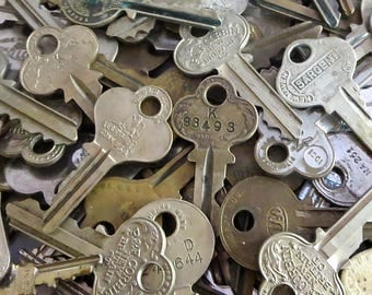 Vintage keys Mixed keys Door keys House keys keys Steampunk keys Cheap bulk Wedding keys Bargain keys Old keys Steampunk Mystery Key lots