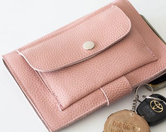 Large phone wallet in dusty pink leather, carry all wallet clutch slim large women bifold  case foldover - Iole Wallet
