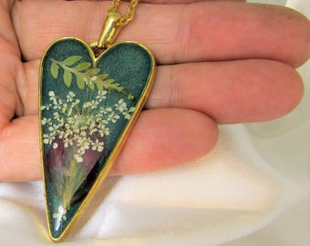 Queen Anne's Heart,  Pressed Flower Pendant,  Real Flowers, Pressed Flower Jewelry, Resin (3078)