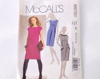 SALE McCall's M5701 ladies dress sewing pattern size 6 8 10 12 14. Handmade.