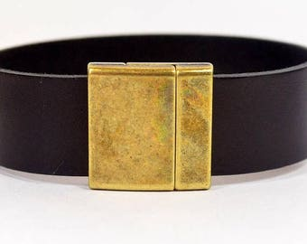 25% Off Curved Magnetic Clasps for 20mm Flat Leather - 20MF-CL2758-AS - Antique Brass