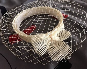 Adorable 1950's 1960's Era Cream Netted Hat with Bow