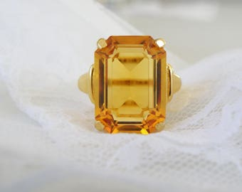 Rare NEW OLD STOCK Vintage Designer Signed Vendome Ring Chunky Large Yellow Topaz Glass Stone