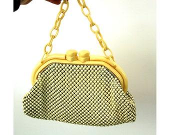 1950s mesh purse Whiting and Davis enamel alumesh ivory Celluloid plastic chain handle handbag