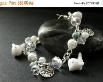 SUMMER SALE White Whale Bracelet. Beaded Bracelet. Turquoise Bracelet. Ocean Beach Bracelet. Handmade Jewelry.