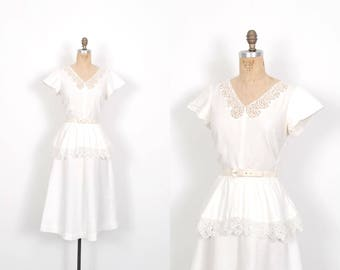 Vintage 1940s Dress / 40s White Cotton Peplum Dress / Wedding Dress ( medium M )