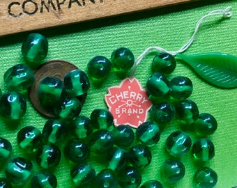 50 Vintage Emerald Cherry Brand, Miriam Haskell Glass Beads 8mm, Japan Beads, green 1950's Old Stock, Minimalist Beads, Baroque B73