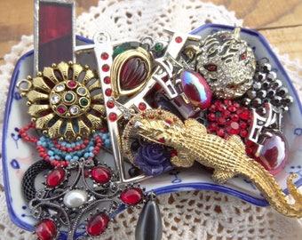 Red Destash Findings - Vintage Jewelry Lot - Destash Lot - Red Charms - Alligator - Red Rhinestone - Star - Jaguar - Glass Solder - D141
