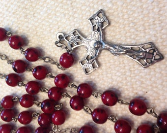 VINTAGE ROSARY Red Glass Beads Catholic prayer beads and crucifix