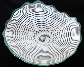 Beautiful Hand Blown Glass Art  Platter Bowl  7685 White ONEIL