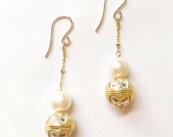 Two tone pearl earrings