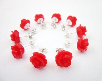 Red Flower Earrings -- Red Party Theme -- Red Jewelry Party Favors -- Red Flower Stud Earrings -- Red Rose Stud Earrings -- Flower Posts