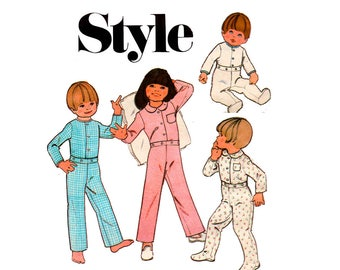 Style 3902 BabyToddler Boys Girls Sleepsuit 70s Vintage Sewing Pattern Size 1 Breast 20 inches