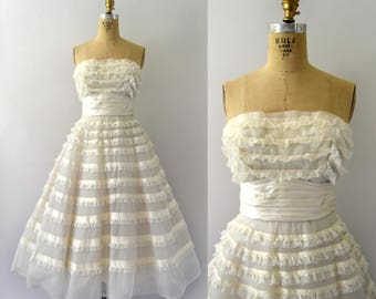 1950s Vintage Wedding Dress - Strapless Ivory Lace Ruffle Cupcake Wedding Dress