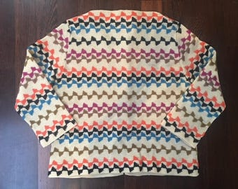 Adorable Vintage Women's Knit Top with 3/4 Length Sleeves