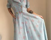 ON SALE Vintage robe dressing gown powder blue old hollywood glamour pin up 1950s 1960s 50s lingerie housecoat size medium large floral