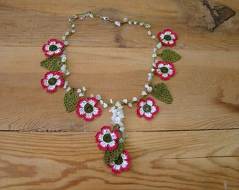 pink white flower necklace, crochet, oya