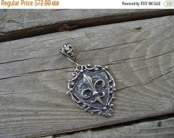 ON SALE Medieval crest pendant in sterling silver
