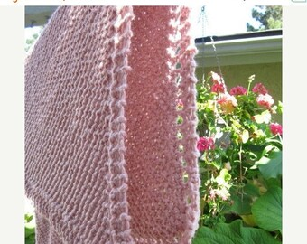 Christmas in July Price reduction knit organic cotton baby blanket (pink)