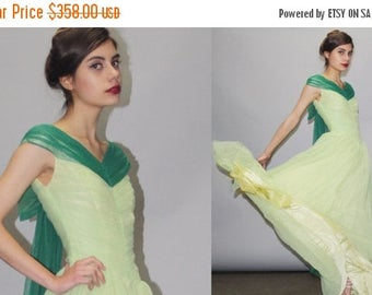 On SALE 35% Off - 1950s Green Full Length Cupcake Bombshell Pinup Prom Wedding Dress  - Vintage Green Wedding Dress - 50s Wedding Dress - Pr