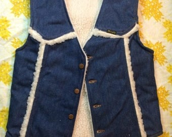 SUMMER SALE Ladies Vintage 1970s Denim Wrangler Sherpa Lined Vest Size Small Retro Women Country