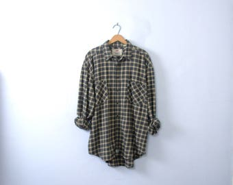 Vintage 90's Levi's grunge plaid flannel shirt, blue oversized flannel shirt, size XL