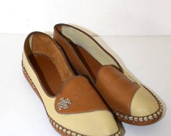 SALE 1950s Leather Moccasins . Vintage 50s Almond & Brown Slip On Moccasin Shoes . Leather Sole . Thunderbird Emblem Size 7 1/2 USA