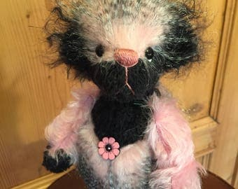 Flower: a handmade artist teddy bear from Jazzbears