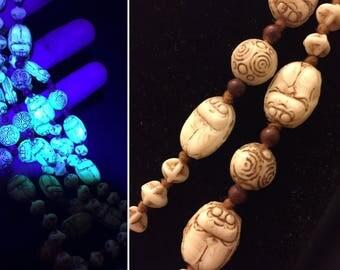 1920s vintage pressed glass egyptian revival uranium Czech glass scarab flapper necklace - attb. Neiger bros - Gablonz beads