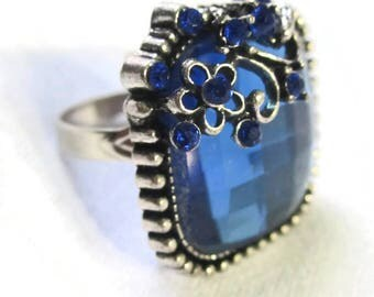Square Set Rhinestone One-Size-Fits-All Ring