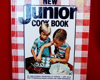 Vintage Better Homes & Gardens New Junior Cookbook copyright 1979 Large Format Edition 5th Printing circa 1985