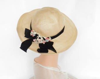 Vintage 1940s hat, natural straw tilt with velvet hatband, flowers