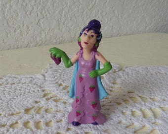 Strawberry Shortcake Character, SOUR GRAPES or The Grape Lady, 1982