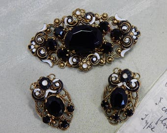 West Germany Black Stone & Gold Filigree Brooch and Clip On Earrings Set    GG4