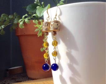 Retro inspired vintage Edie Sedwick dangling earrings with colbolt blue vintage beads