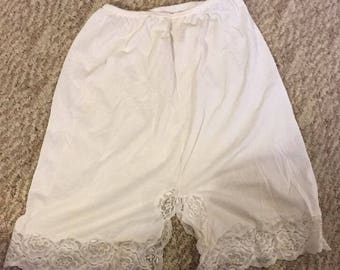 Vintage Women's Skirt Slip Size Large White Lace Very Cute!