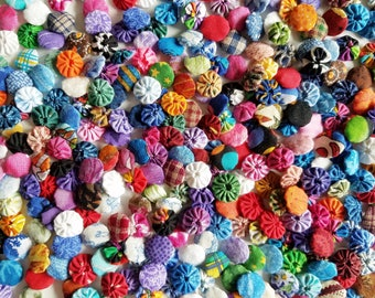 "100 Tiny Yo Yos 1/2"" Assorted Colors Prints and Solids"