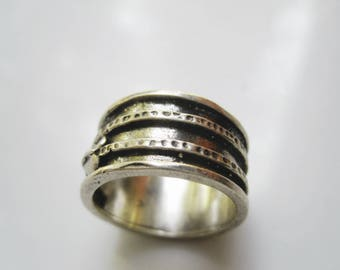 Vintage Israeli Ring - Wide Band - Sterling Silver Band - Size 6 1/2