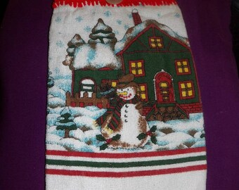 Crochet top Christmas towel with snowman scene - ctg