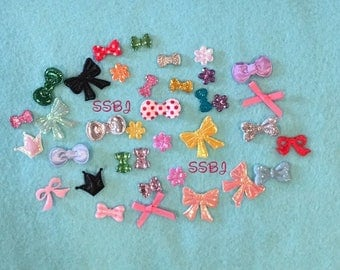 50 piece Variety Pack Mini Rhinstone Bow Embellishments for Felties-Feltie Supply