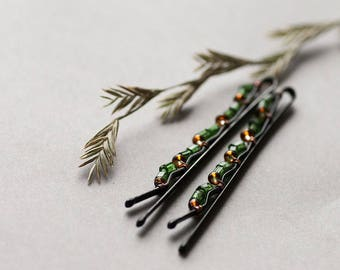 Green Bobby Pins, Forest Hair Accessory, Garden Wedding, Emerald Green Bohemian Bobby Pins set of 2
